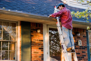 cleaning gutters photo